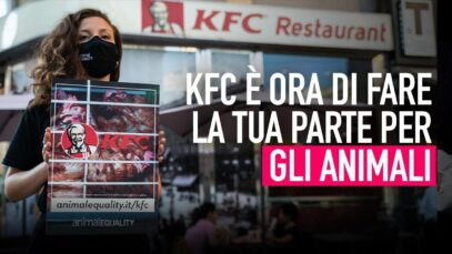 La nostra protesta rivolta a KFC: è ora di dire basta gabbie!